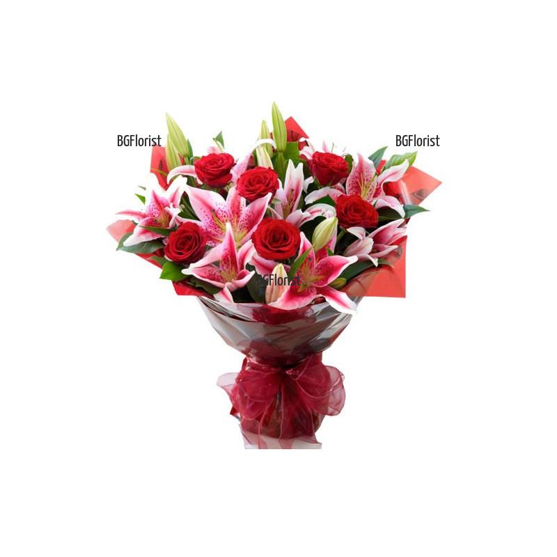 Луксозен букет от рози и лилиуми в София с куриер