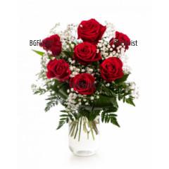 Доставка на букет от 7 рози и ваза в София