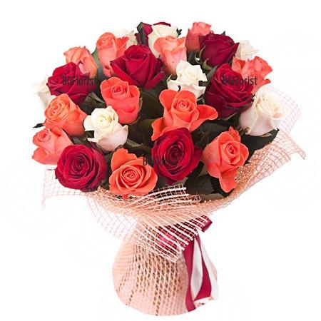 Доставка на обемен букет от микс рози