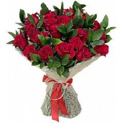 Поръчка и доставка на букет от червени рози и зеленина в София