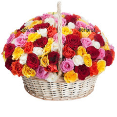 доставка на Кошница с 101 разноцветни рози
