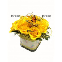 Send beautiful arrangementwith roses to Sofia