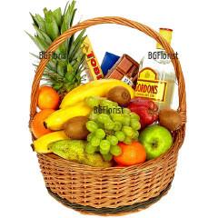 Поръчка и доставка на кошница с плодове и подаръци в София