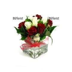 Интернет поръчка на рози в стъклен куб