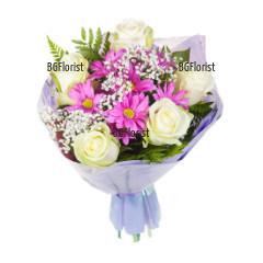 Букет от бели рози и хризантеми Нежна прегръдка