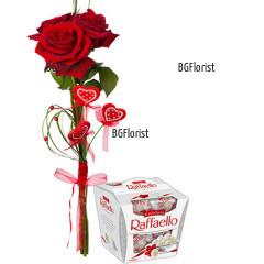 Доставка на букет от рози и бонбони Рафаело