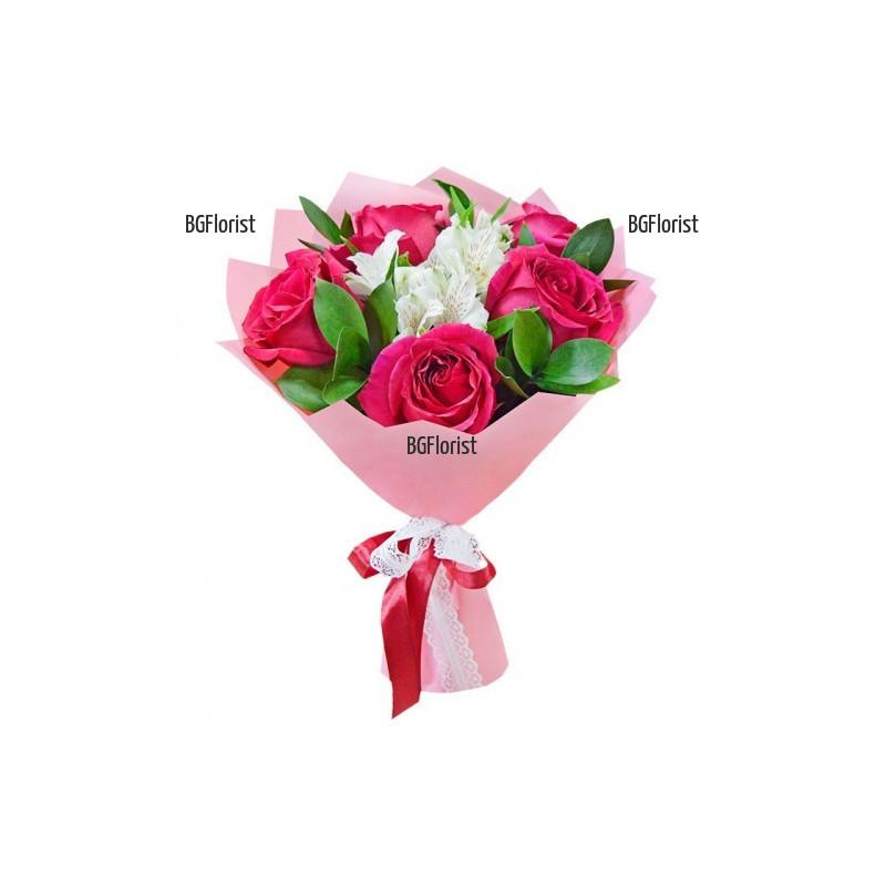 Букет от розови рози и бели алстромерии