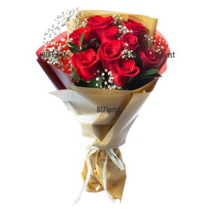 Романтичен букет от червени рози