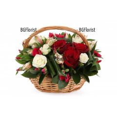 Поръчка на кошница с рози и алстромерии