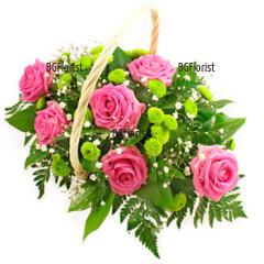Доставка на кошница с рози и хризантеми
